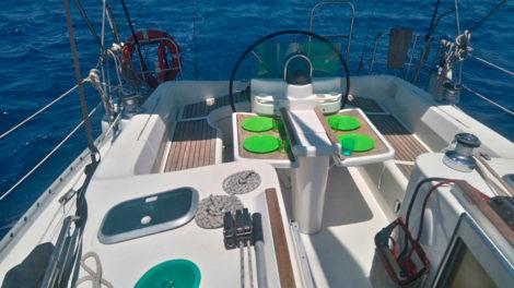 Kanzel-Segelboot-Charter-Beneteau-383-in-Ibiza