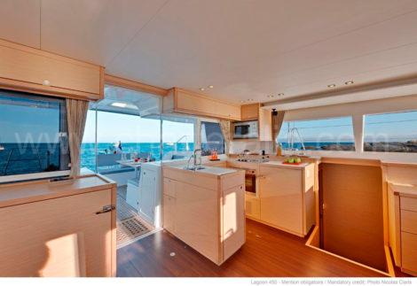 Lagoon-450-Lounge-und-Galeere-auf-den-Balearen-zu-vermieten