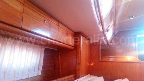 Holzschiff-in-ausgezeichneter-Form-Segelschiff