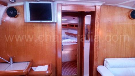Lounge-Bavaria-46-Segelboot