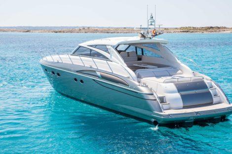 Leistungsstarke Yacht fuer Princess V58 Tagescharter