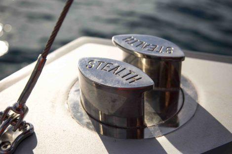 Detail der Stealth 50 Yacht