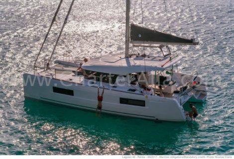 Katamaran Lagoon 40 zur Abfahrt in Ibiza und Formentera