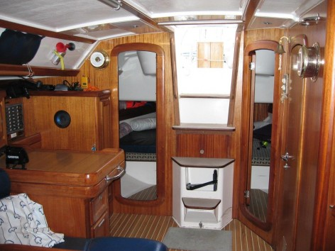 access to double cabins in stern