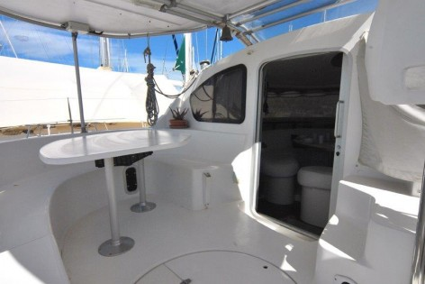 catamaran Belize 43 cockpit