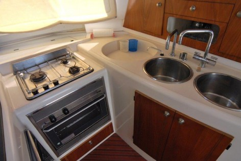 galley fountaine pajot 43