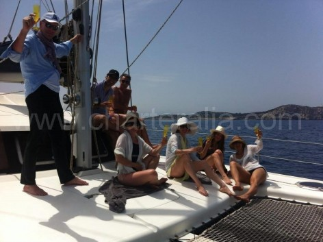 frontal catamaran fountaine pajot belize