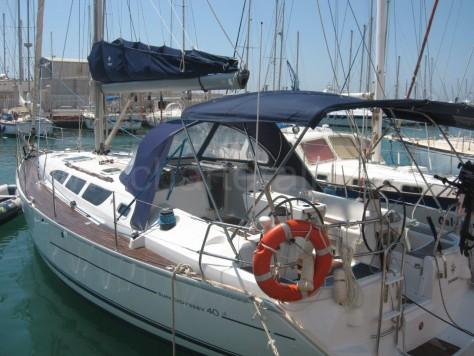 Charter sailboat Ibiza Formentera Jeanneau Sun Odyssey 40