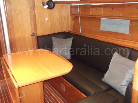 Lounge Sofa sailboat Bavaria 37 Ibiza