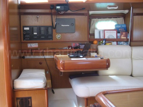 Lounge sailing-boat hire ibiza Sun Odyssey 40