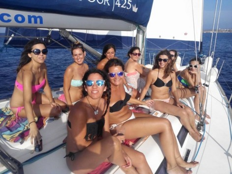 Hen do Ibiza on sailing boat