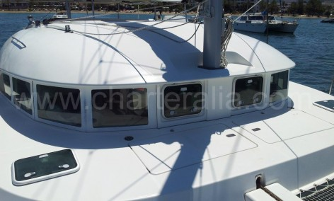 frontal windows lagoon 380 catamaran