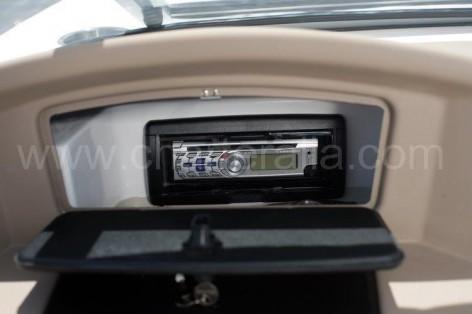 Music equipment of the Mariah SX20 speed boat