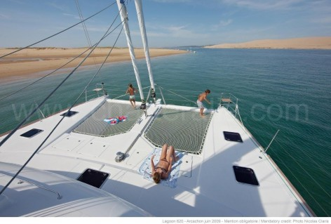 Bow areas catamaran Lagoon 620