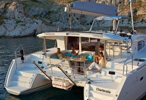Catamaran Lagoon 400 outdoor terrace