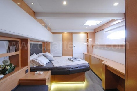 Double luxury cabin boat rental Ibiza Victoria 67