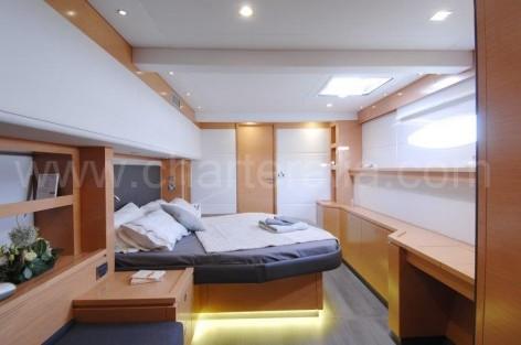 Double luxury cabin boat rental Ibiza Victoria 67