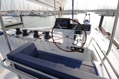 Helm Fountaine Pajot Victoria 67