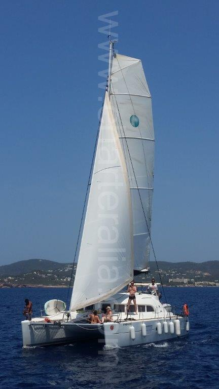 Lagoon 380 sailing with full sails in Formentera
