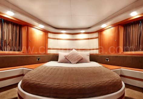 Double bedroom of the Baia Aqua 54 yacht