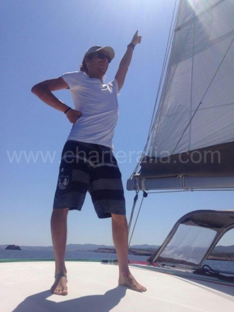 Sailing on the catamaran Lagoon 400 that is for rent in Ibiza
