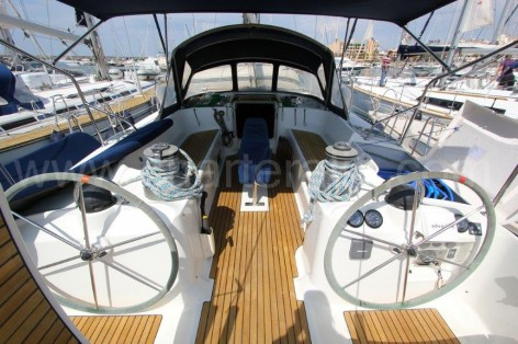 Cockpit and steering wheel Beneteau 50 charter in Ibiza