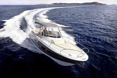 Yacht hire in Eivissa Sessa Key Largo for day excursions