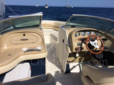 Cockpit of Sea Ray motor boat charter in Eivisa