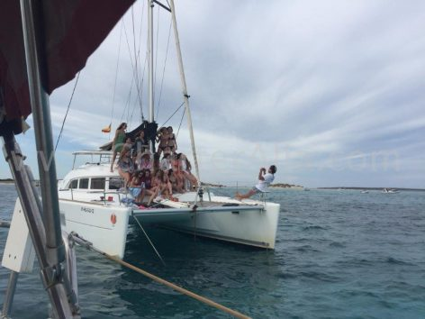 Large groups can be combined into one of our six Lagoon 380 catamarans and the skipper will be happy to immortalize the moment