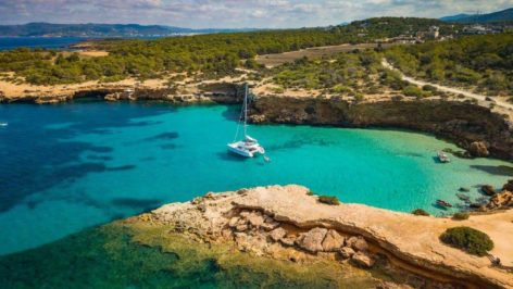 Catamaran hire Ibiza and Formenera Lagoon 52