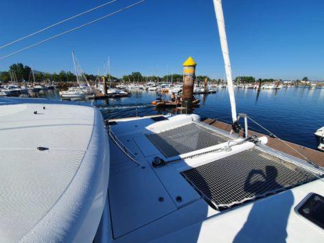Front trampoline catamaran Lagoon 40 2020