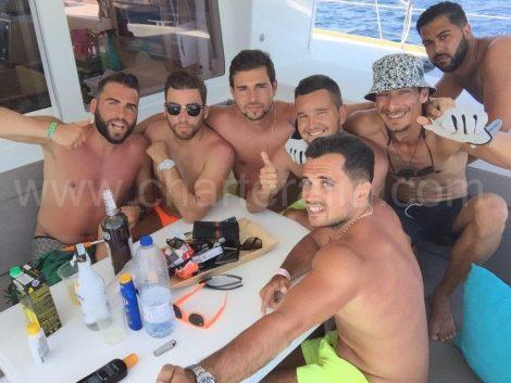 Sur la terasse a l arriere du bateaux lagoon 400 a Ibiza