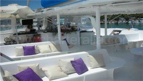 catamaran pour 80 personnes en location ibiza