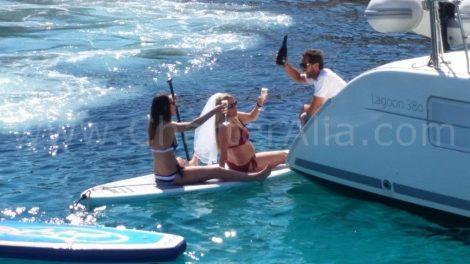 Capitaine de CharterAlia sur son bateau en location a Ibiza et Formentera