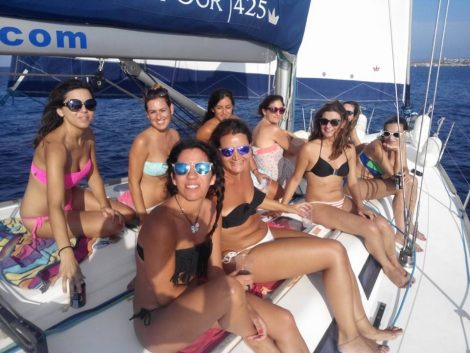 EVJF a Ibiza en voilier Dufour 425