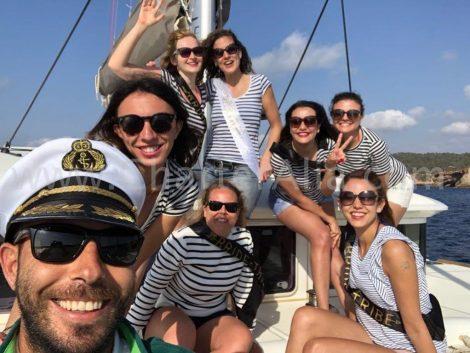 Enterrement de vie de jeune fille a theme en bateau a Ibiza