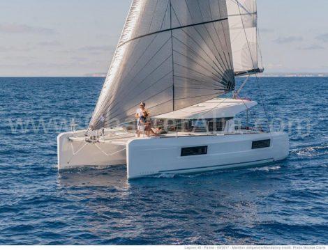 catamaran-lagoon-40-en-location-aux-baleares