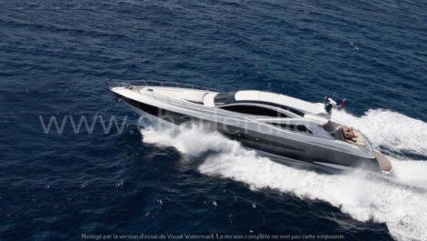Canados 90 vue laterale du puissant bateau a moteur en location formentera