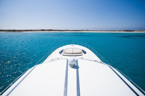Sunseeker Predator 75 Ibiza Formentera bain de soleil