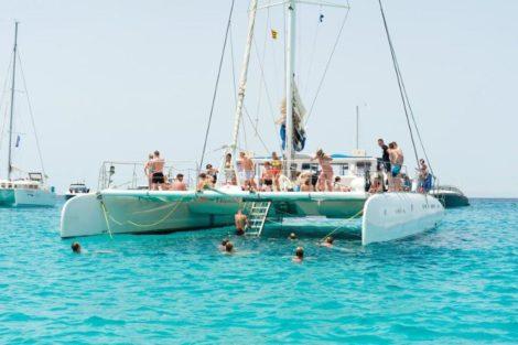 Visite de Formentera sur cet incroyable catamaran de 100 passagers