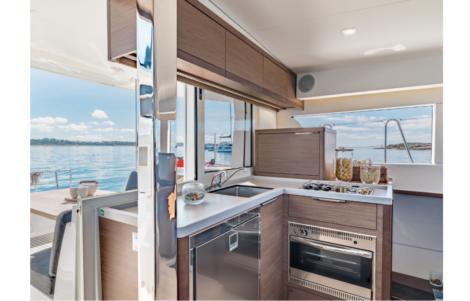 Cuisine catamaran Lagoon 40 2020