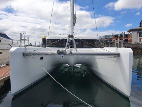 vue de la proue du Lagoon-40-catamaran