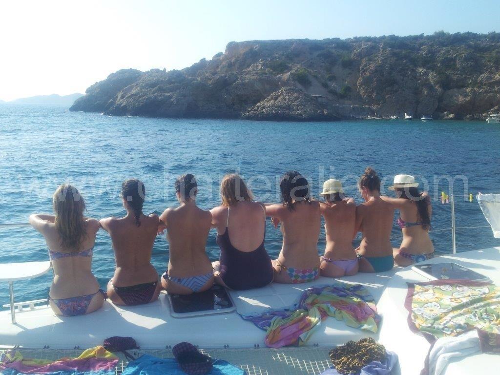 festeggiare addio al nubilato in barca a Ibiza