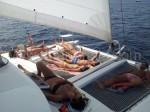 sdraiarsi sulla rete catamarano Ibiza