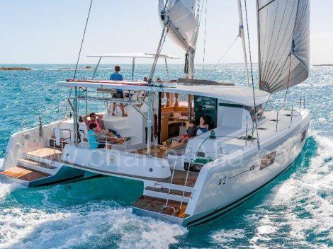 Navigando con Lagoon 42 yacht a noleggio a Formentera e Ibiza