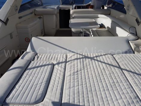 Nuova tappezzeria noleggiare uno yacht a Ibiza