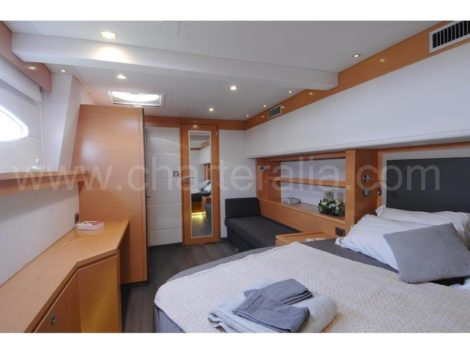 Proprietario di noleggio barche Ibiza Victoria 67