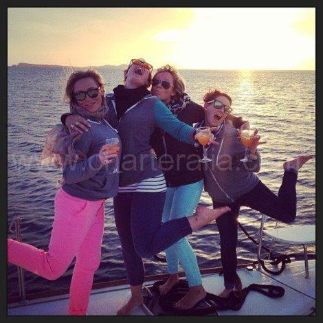 tramonto da una barca a Ibiza