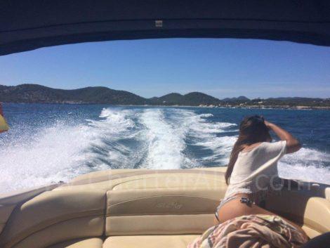 230 Sea Ray motorbootverhuur op de Balearen met schipper