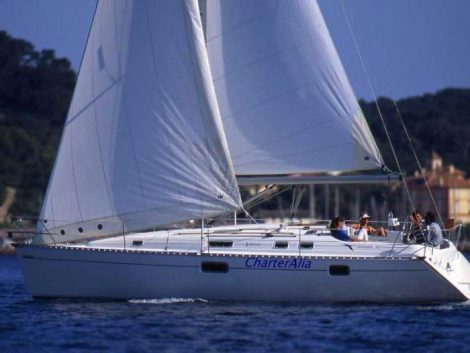 Zeilboot charter in Ibiza Oceanis 351 Clipper